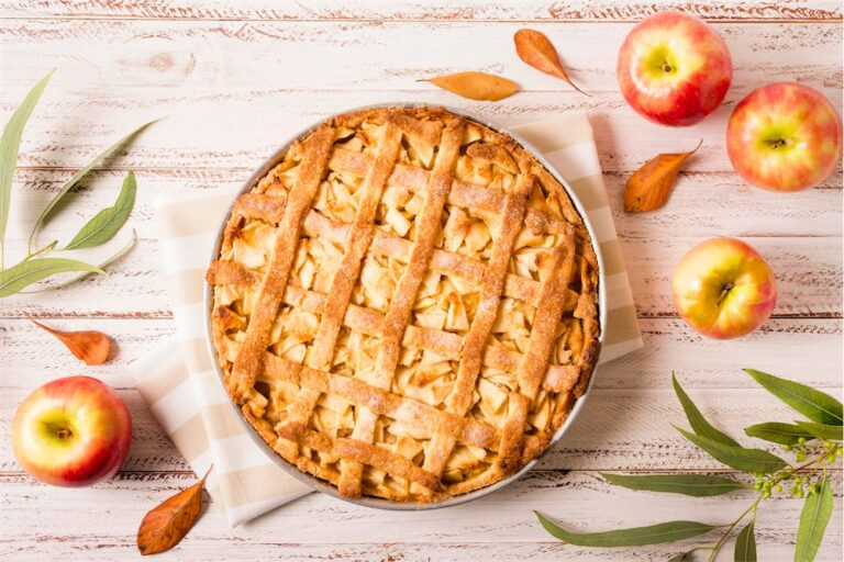 top-view-of-apple-pie-for-thanksgiving-with-leaves